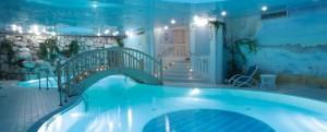 Passo Monte Croce hotel pool